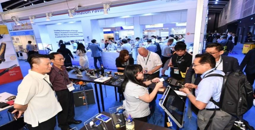 hong-kong-arranges-the-world-largest-electronics-fair