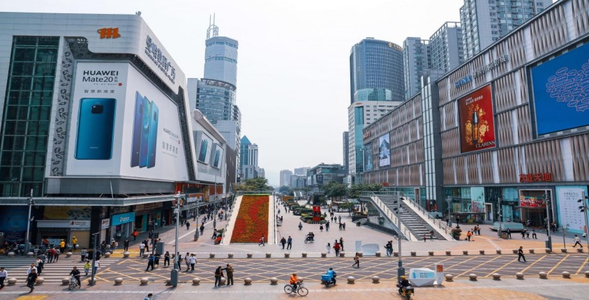 huaqiangbei-wholesale-market-is-the-biggest-electronics-market