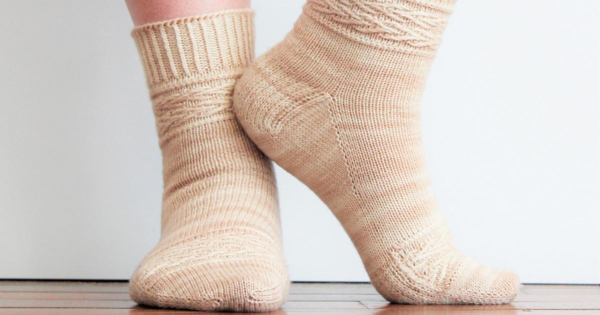 knitting-socks